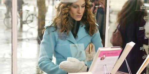 Terugblikken op de outfits van Carrie Bradshaw