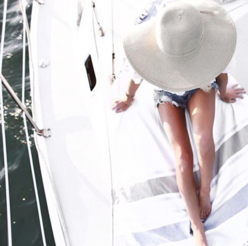 vrouw op boot