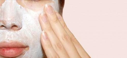 Gezichtsmasker met appelazijn voor de onzuivere huid