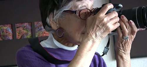 Deze Japanse fotojournalist is 101 én zet haar carrière nog ...