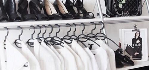 Deze 10 fashion basics moet je standaard in je kast hebben