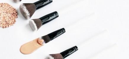 6 tips voor het aanbrengen van foundation op een vette huid