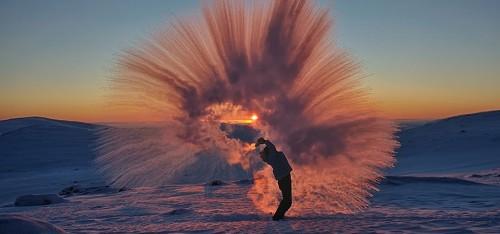 Spectaculair: zo ziet hete thee eruit bij - 40 graden Celsius