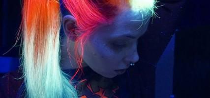 WANT! Glow in the dark haar voor deze donkere dagen