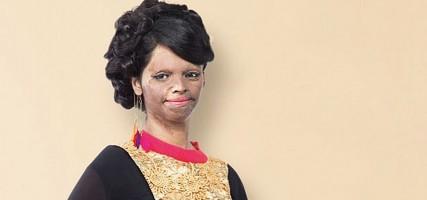 Meisje wordt het gezicht van Indiaas modemerk na zuuraanval