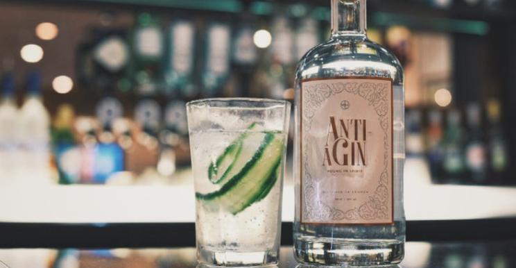 Deze gin belooft rimpels te doen verdwijnen terwijl je drinkt