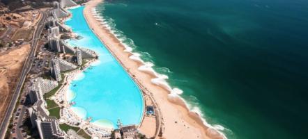 ZO ziet het grootste zwembad ter wereld eruit en je wilt er NU...
