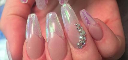 Deze kristalnagels lijken nét echt