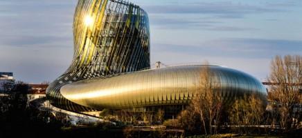 'La Cité du Vin' is precies wat de naam zegt en je kunt er bi...