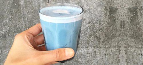De 'smurf latte' is er weer zo eentje die wij willen proberen