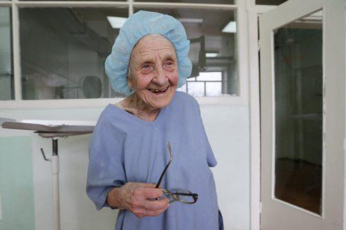 89-year-old-surgeon-alla-ilyinichna-levushkina-13