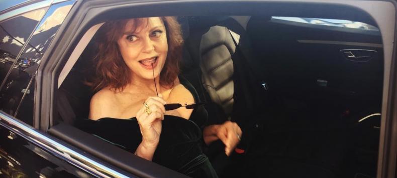 De borsten van Susan Sarandon zijn de sterren van Cannes