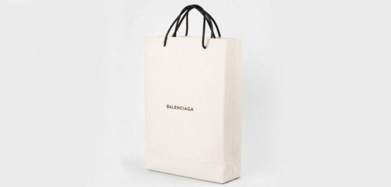 Deze tassen van Balenciaga gingen als zoete broodjes over de t...