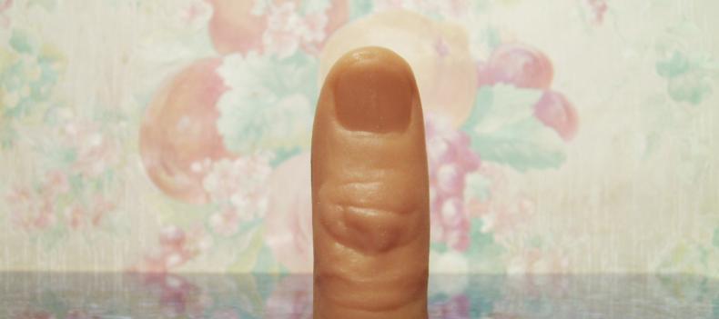 Laten we het eens hebben over het voordeel van duimen en nagel...