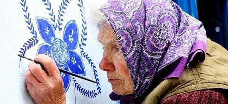 90-jarige oma maakt van een Tsjechisch dorpje éen groot kunst...