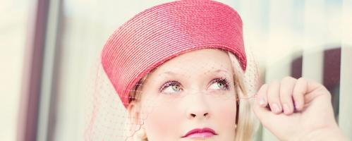 Vrouwen met een hoedje zijn sterk en creatief