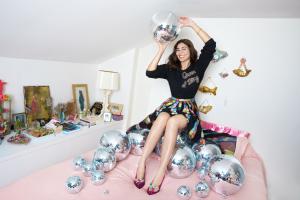 Interview: met designer Shourouk die een feestelijke schoenjuw...