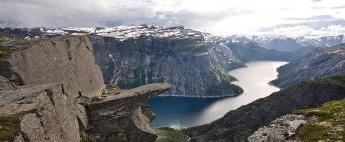 Vier uur in de rij voor een foto van Trolltunga in Noorwegen