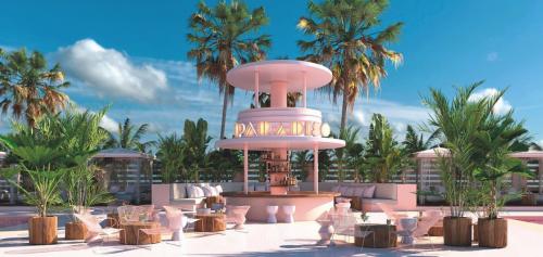 Ibiza? Leuk... Slapen in dit roze hotel op Ibiza? EEN DROOM!