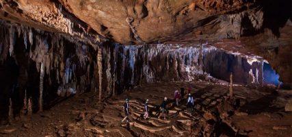 De ATM grot, de onderwereld van de Maya's