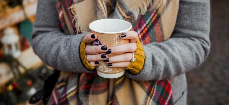Dit is waarom wij vrouwen vaak koude handen en voeten hebben