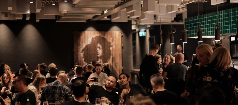 Dit weekend kun je nachtelijk dineren bij C Amsterdam