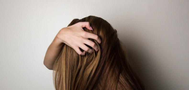 Je hoofdhuid veroudert zes keer sneller dan je gezichtshuid