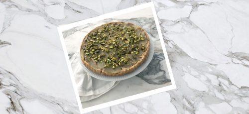 Glutenvrije Tarte Tartin met peer en pistache