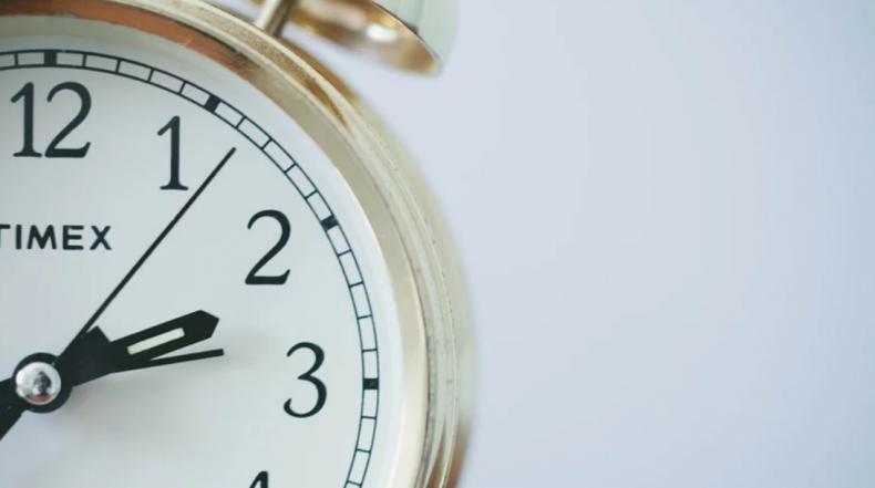 De tijd vliegt: waarom gaat het echt sneller als we ouder word...