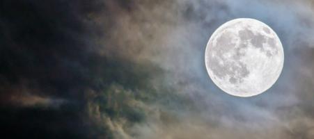De volle maan in Tweelingen van 12 december