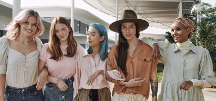 Pandora muses: women supporting women