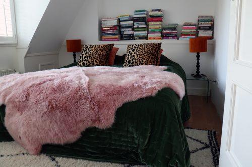 roze schapenvacht
